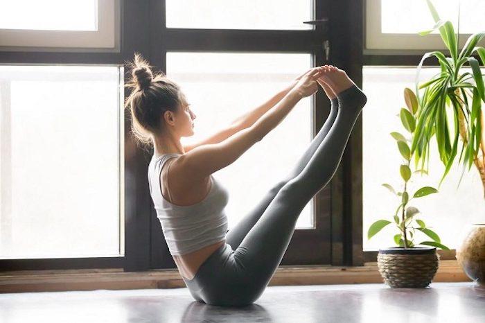 йога для похудения Парипурна Навасана